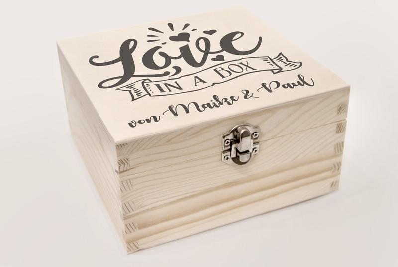 Individuelle Geschenkbox Fur Braut Und Liebespaare